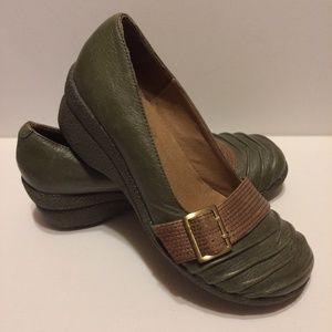 Miz Mooz Loafers Wedge Heel Green Tan Leather 36 6